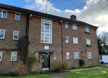Pound Road, Banstead SM7. 2 bed flat for sale