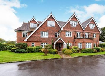 Thumbnail 2 bed flat for sale in Guildford Road, Fetcham, Surrey