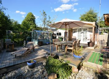 Thumbnail 1 bed mobile/park home for sale in Frogmore Home Park, Frogmore, St. Albans