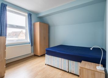 2 bed maisonette to rent in Bedford Hill, London SW12