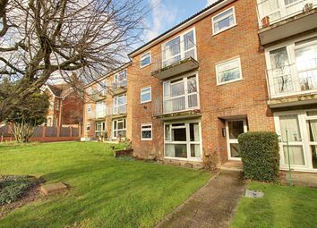 Thumbnail 1 bed flat to rent in Avenue Road, St.Albans