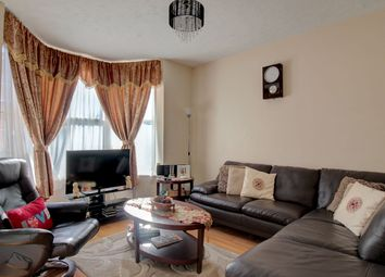 Thumbnail 1 bed flat for sale in East Park, Crawley