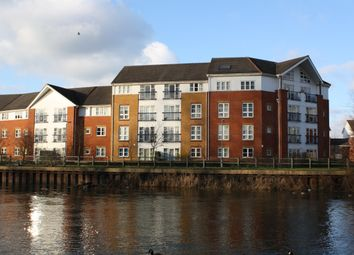Thumbnail 2 bed flat to rent in Kennet Walk, Reading, Berkshire