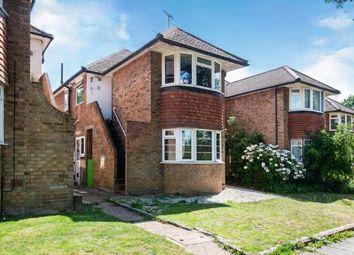 Garrison Lane, Chessington, Surrey, . KT9. 3 bed maisonette