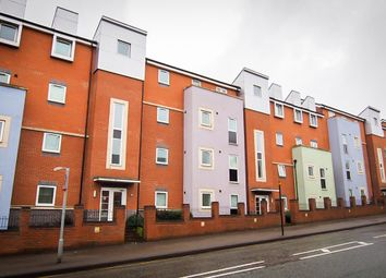 Thumbnail 2 bed flat to rent in Kinsey Road, Smethwick, West Midlands