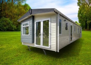 Thumbnail 2 bed mobile/park home for sale in Malvern View Country & Leisure Park, Stanford Bishop, Worcester