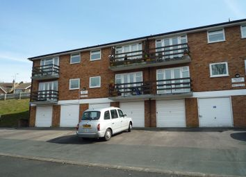 Thumbnail 2 bed flat to rent in Carisbrooke Avenue, High Wycombe