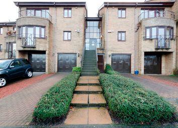 Thumbnail 2 bed flat for sale in Fernlea, Bearsden, Glasgow