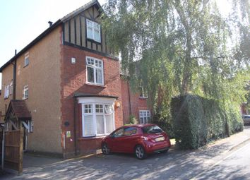 Worple Road, Epsom KT18. 2 bed flat