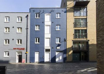Thumbnail 1 bed flat to rent in Clink Street, London