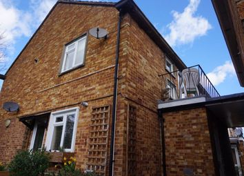 Thumbnail 2 bed flat to rent in Russell Road, Buckhurst Hill