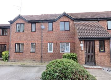 Thumbnail 1 bedroom flat to rent in Oakley Close, Grays