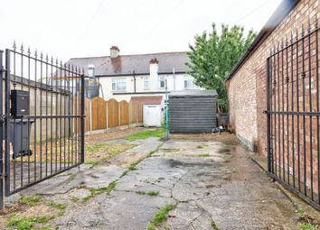 Thumbnail 2 bedroom flat for sale in Hornchurch Road, Hornchurch
