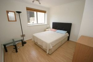 Thumbnail 3 bed flat to rent in Parkgate Road, London
