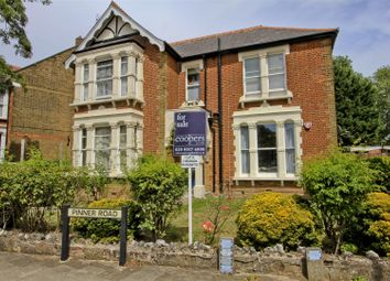 Pinner Road, Pinner HA5. 2 bed flat