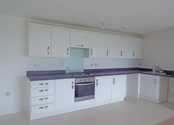 Thumbnail 2 bedroom flat to rent in Groombridge Avenue, Eastbourne