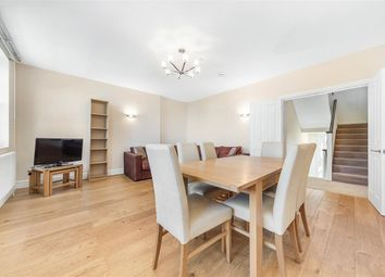 2 bed flat to rent in Claverton Street, London SW1V