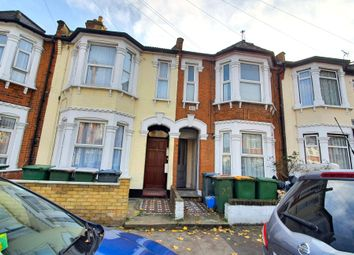 2 bed maisonette to rent in Shelley Avenue, London E12