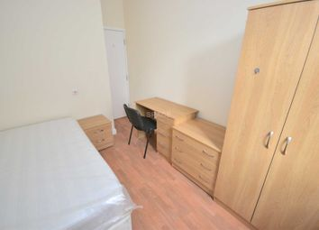 Thumbnail Room to rent in Grange Avenue, Reading, Berkshire