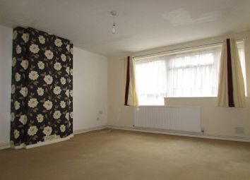 2 bed flat to rent in Bonnick Close, Luton LU1