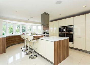Thumbnail 7 bed detached house for sale in Great North Road, Brookmans Park, Hertfordshire