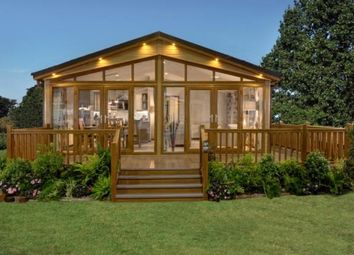 Thumbnail 2 bed mobile/park home for sale in The Warren Golf & Country Club, Woodham Walter, Essex