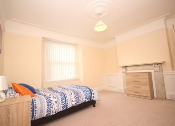 Thumbnail Room to rent in Oxford Place, Plymouth