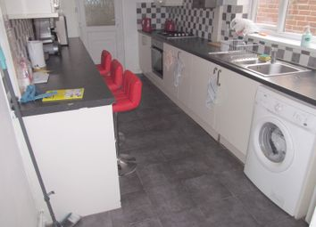 Thumbnail 5 bed terraced house to rent in Liverpool Road, Reading