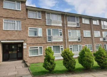 2 bed flat for sale in Parkfield Close, Edgware HA8