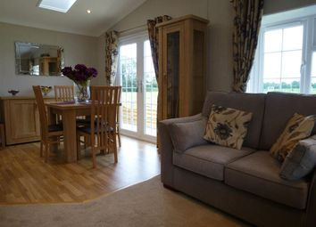 Thumbnail 2 bedroom mobile/park home for sale in Cathedral View Park, Witchford, Ely