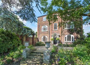 Thumbnail 6 bed detached house for sale in Hampton Court Road, Hampton Court, Surrey