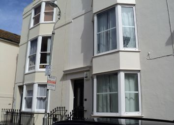 Thumbnail 1 bed flat to rent in Russell Square, Brighton