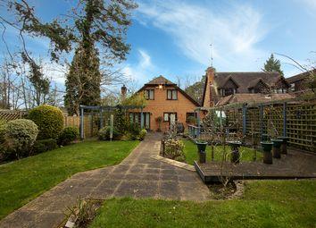 New Wokingham Road, Crowthorne, Berkshire RG45. 3 bed detached house