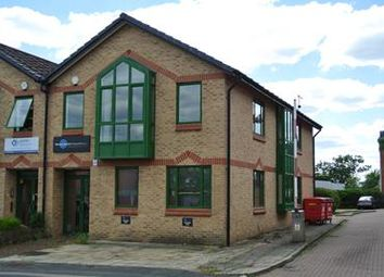 Office to let in 4B Victoria Avenue, Camberley GU15