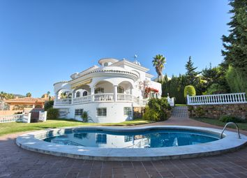 Thumbnail 4 bed villa for sale in Benalmadena Costa, Benalmádena, Málaga, Andalusia, Spain