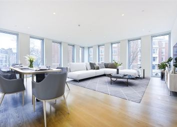 Hollandgreen Place, London W8. 3 bed flat for sale