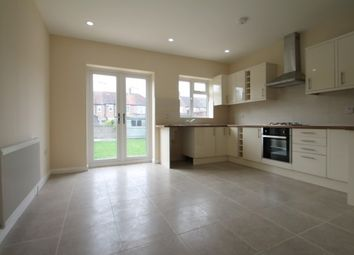Thumbnail 4 bed property to rent in Middle Road, London