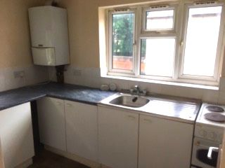 Thumbnail 2 bedroom flat to rent in Stratford Road, Hall Green, Birmingham