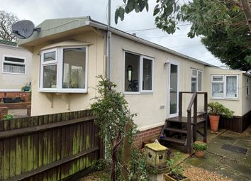 Thumbnail 2 bed mobile/park home for sale in Winchester Road, Fair Oak, Eastleigh