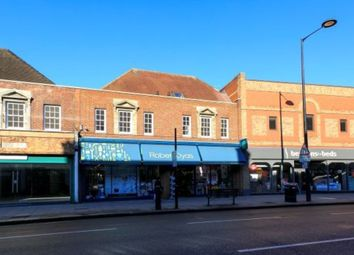 Thumbnail 2 bedroom flat to rent in Upper Richmond Road West, London