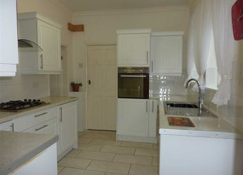 Thumbnail 2 bed flat for sale in Alexandra Road, Grimsby