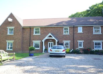 Thumbnail 2 bed flat to rent in Wood Green, Woodcote, Reading
