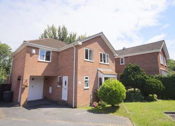 Thumbnail 4 bed detached house for sale in Siskin Grove, Waterlooville