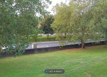 Albany Road, London SE5. 3 bed maisonette