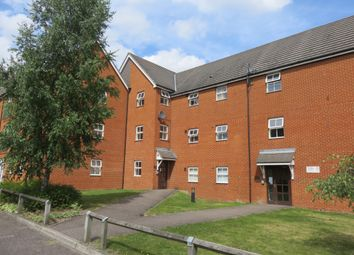 Thumbnail 2 bed flat to rent in RM16, Romford,