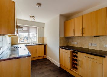 2 bed flat to rent in Thurlestone Parade, High Street, Shepperton TW17