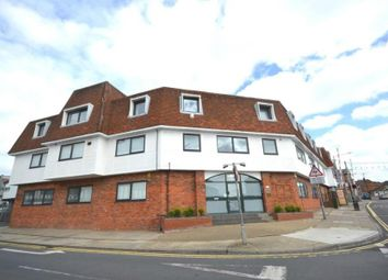 2 bed flat to rent in East Street, Colchester CO1