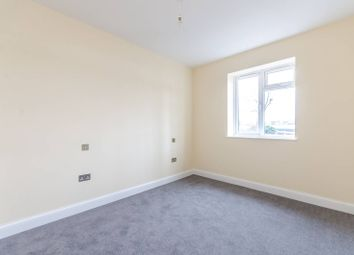 Thumbnail 2 bed flat for sale in Queensmead Road, Bromley