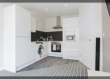 Thumbnail 2 bed flat to rent in Paragon Street, Hull
