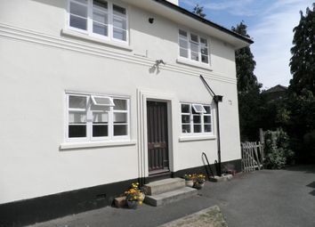 Thumbnail 2 bed maisonette to rent in Oldfield Road, Maidenhead
